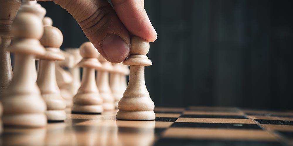 L'analisi dei competitor è come la strategia che si mette in atto quando si gioca a scacchi. E' la giusta strategia per vincere il nostro avversario