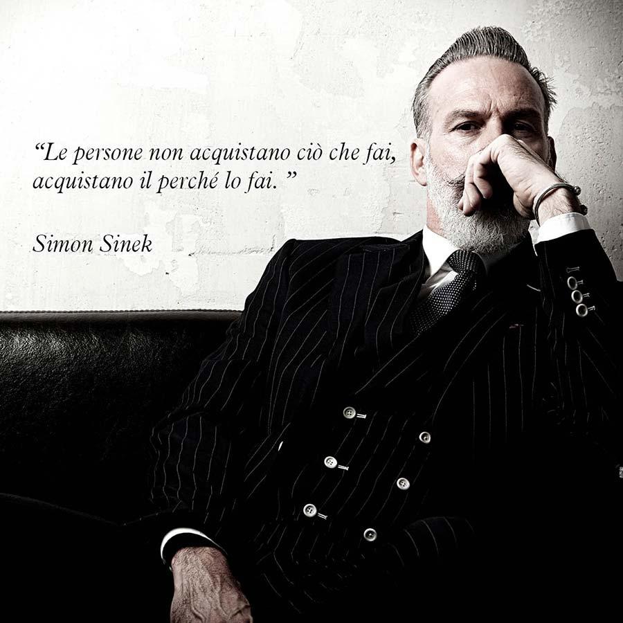 """Citazione di Simon Sinek """"Le persone non acquistano ciò che fai acquistano il perché lo fai"""""""