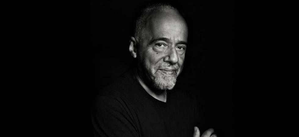 Lo scrittore Paulo Coelho